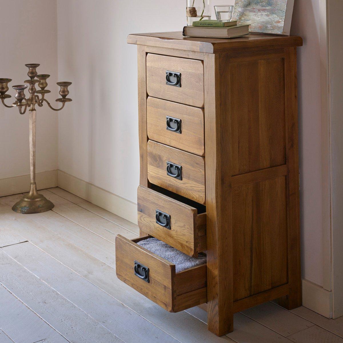 original rustic 5 drawer chest in solid oak oak. Black Bedroom Furniture Sets. Home Design Ideas