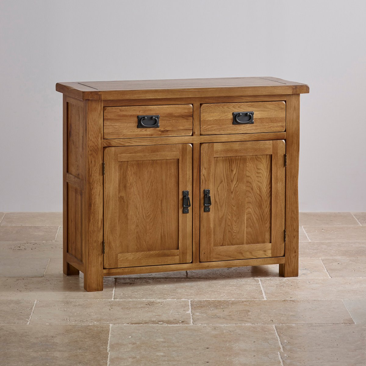 What could evoke the spirit of country living in your home more than a range of oak furniture. The solid wood and natural finish of one of Mother Nature's finest materials is the perfect way to bring a little warmth and natural beauty to your home.
